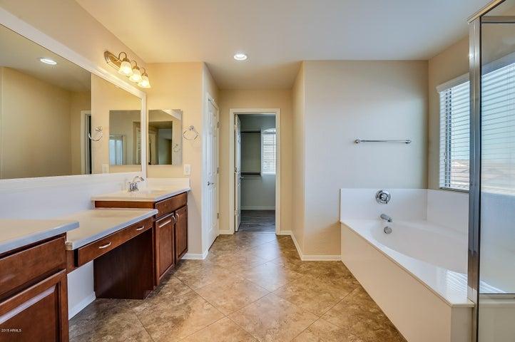 152 W SWEET SHRUB Avenue, San Tan Valley, AZ 85140