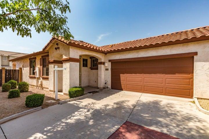 942 E CANTEBRIA Drive, Gilbert, AZ 85296