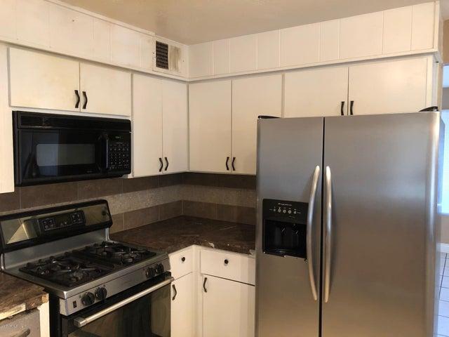 4949 W MARYLAND Avenue, Glendale, AZ 85301