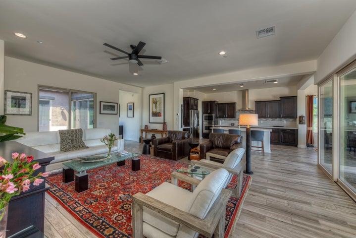 11075 E BUCKHORN Drive, Scottsdale, AZ 85262
