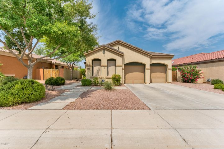 6714 S ST ANDREWS Way, Gilbert, AZ 85298