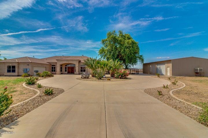 39667 N Country Lane, San Tan Valley, AZ 85140