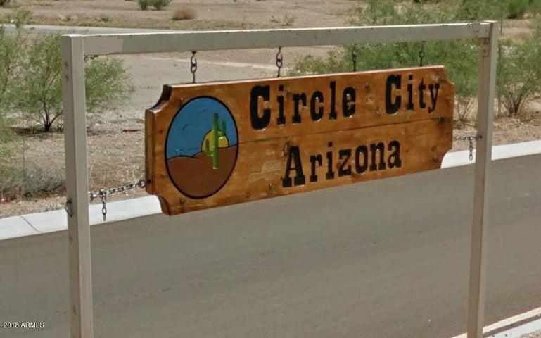 509 Claessens Drive, -, Morristown, AZ 85342