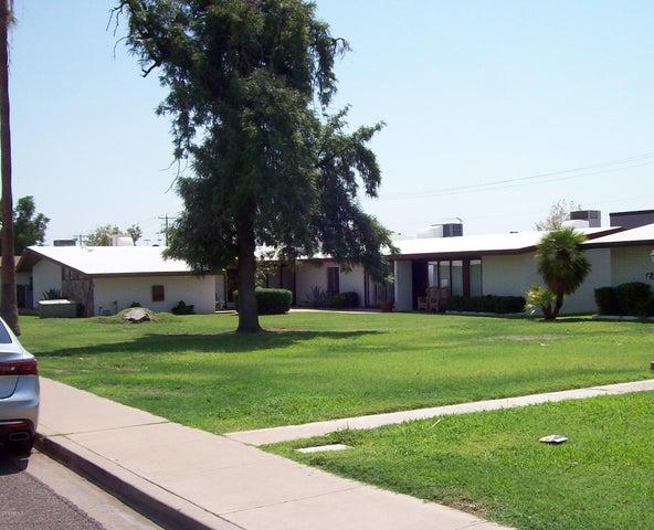 2520 N 46TH Street, Phoenix, AZ 85008