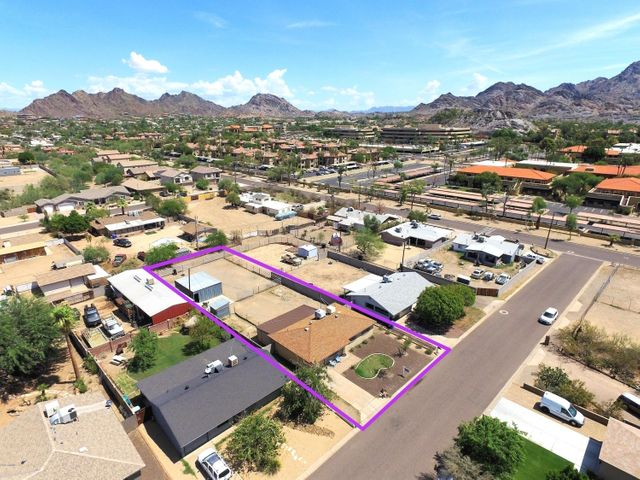 1332 E KALER Drive, Phoenix, AZ 85020