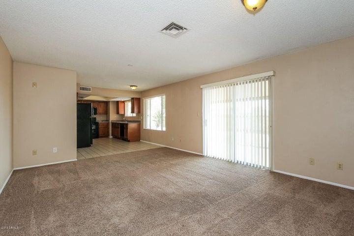 3819 W DALPHIN Road, Phoenix, AZ 85051