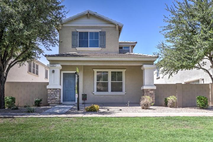 1561 S HERON Drive, Gilbert, AZ 85296