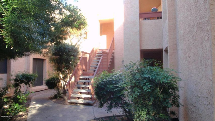 3131 W COCHISE Drive, 201, Phoenix, AZ 85051