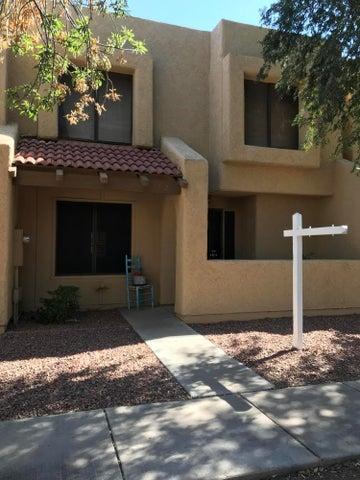 5712 W WINCHCOMB Drive, Glendale, AZ 85306