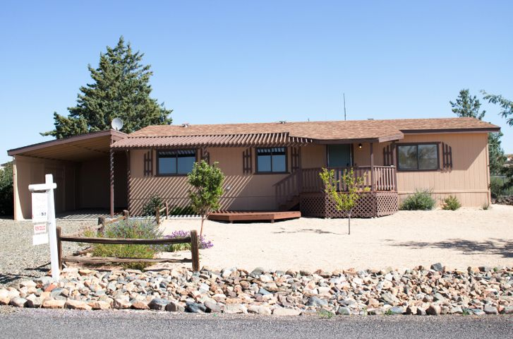 Welcome Home to Cordes Lakes, AZ! Here is the 2 bed 2 bath remodeled home you have been looking for!