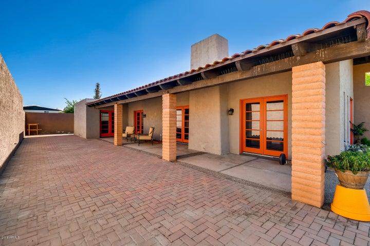 2037 E BALBOA Drive, Tempe, AZ 85282