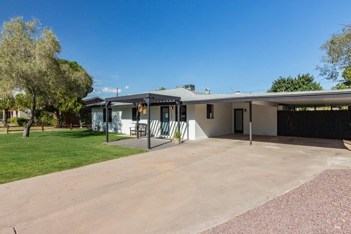 7339 N 11th Place, Phoenix, AZ 85020