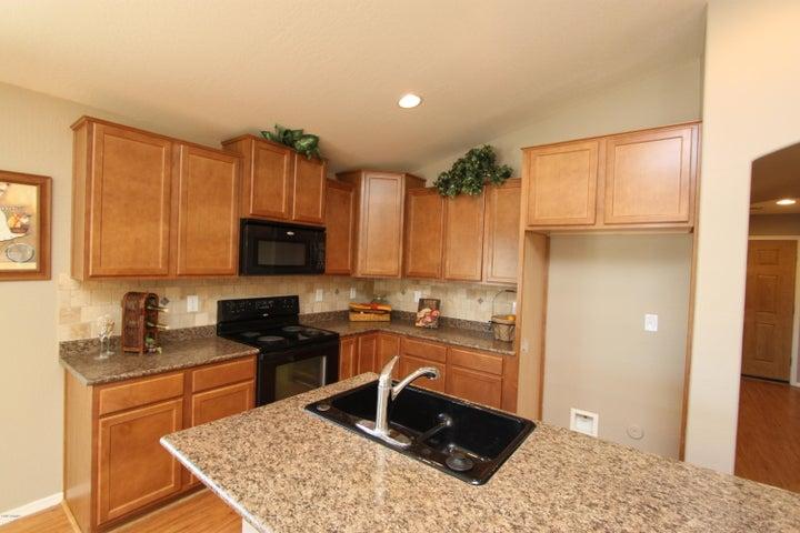 41655 W SOMERSET Drive, Maricopa, AZ 85138