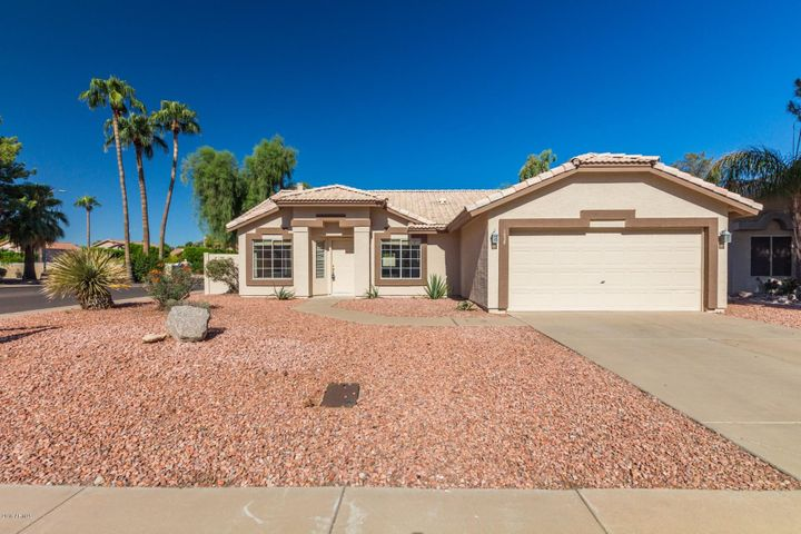 1038 E HARBOR VIEW Drive, Gilbert, AZ 85234