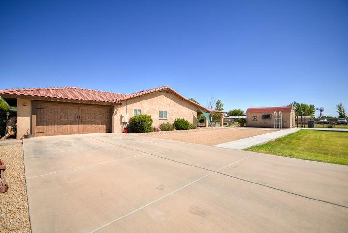 18321 W GLENDALE Avenue, Waddell, AZ 85355