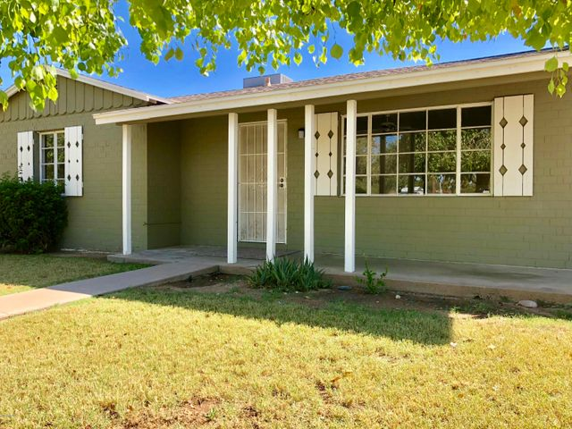 Charming vintage rancher in Phoenix Homesteads Historic District