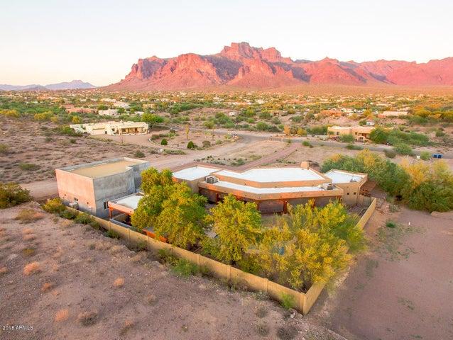 436 S Roadrunner Drive, Apache Junction, AZ 85119