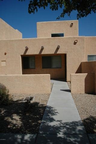 8940 W OLIVE Avenue, 113, Peoria, AZ 85345
