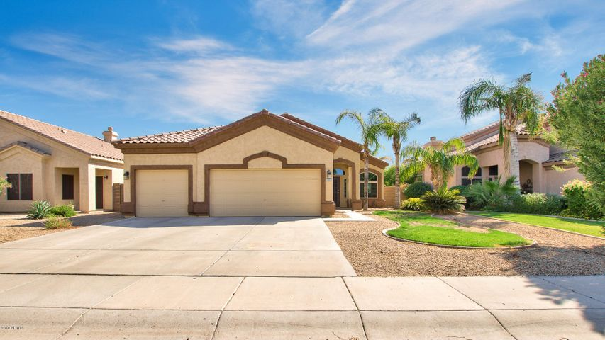 637 E RANCH Road, Gilbert, AZ 85296