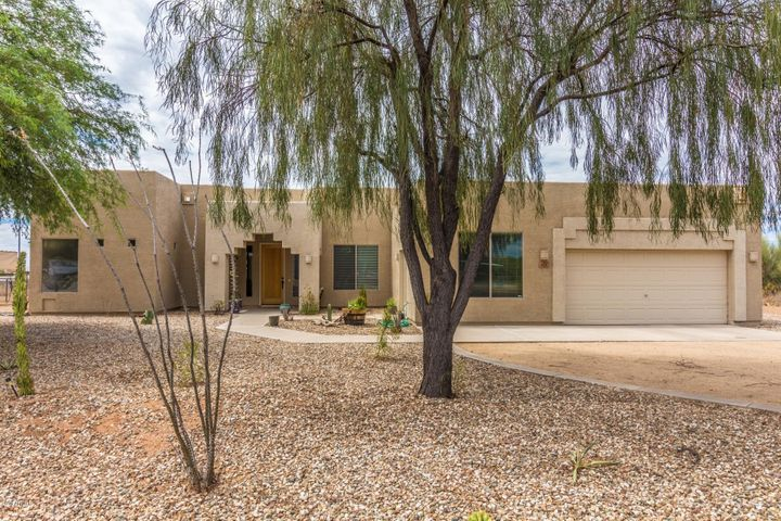 821 E DESERT RANCH Road, Phoenix, AZ 85086
