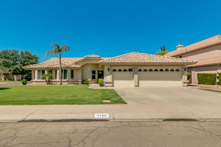 2126 E DESOTO Way, Gilbert, AZ 85234