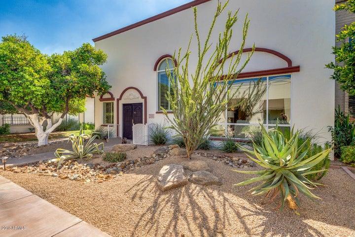 7698 E MINNEZONA Avenue, Scottsdale, AZ 85251