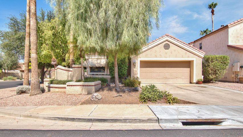 409 S LAKE MIRAGE Drive, Gilbert, AZ 85233