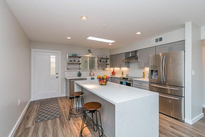 1275 E MARYLAND Avenue, A, Phoenix, AZ 85014