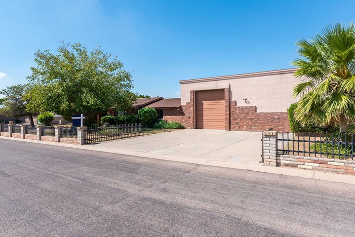 1328 N 66th Place, Mesa, AZ 85205
