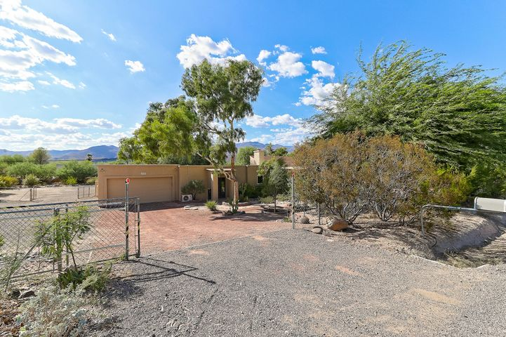 34550 S Roadrunner Road, Black Canyon City, AZ 85324