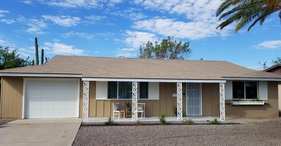 10139 W PINEHURST Drive, Sun City, AZ 85351