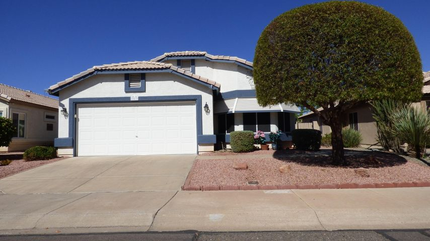 This lovely home is in Ventana Lakes, an adult community