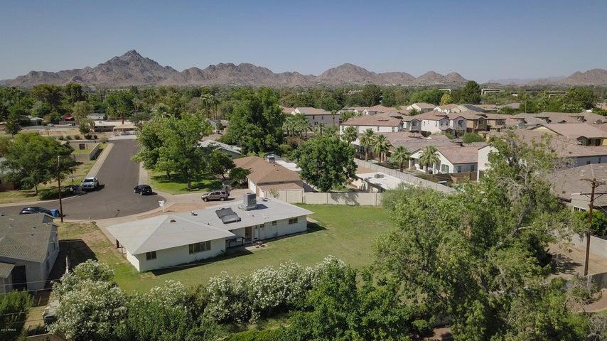 2837 E MINNEZONA Avenue, Phoenix, AZ 85016