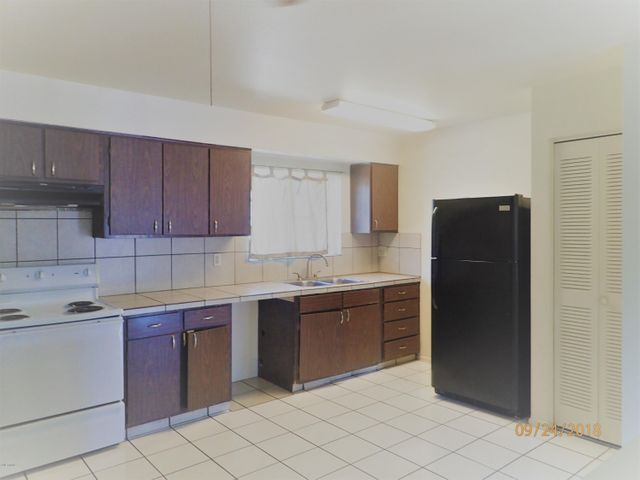 6808 W SAN JUAN Avenue, Glendale, AZ 85303