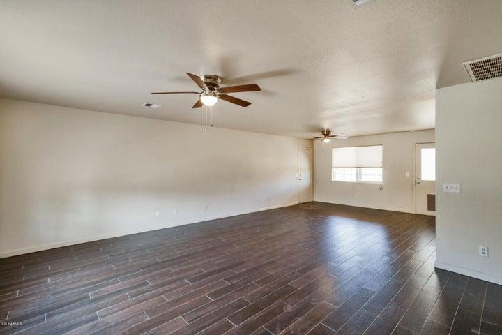 4822 W AVALON Drive, Phoenix, AZ 85031