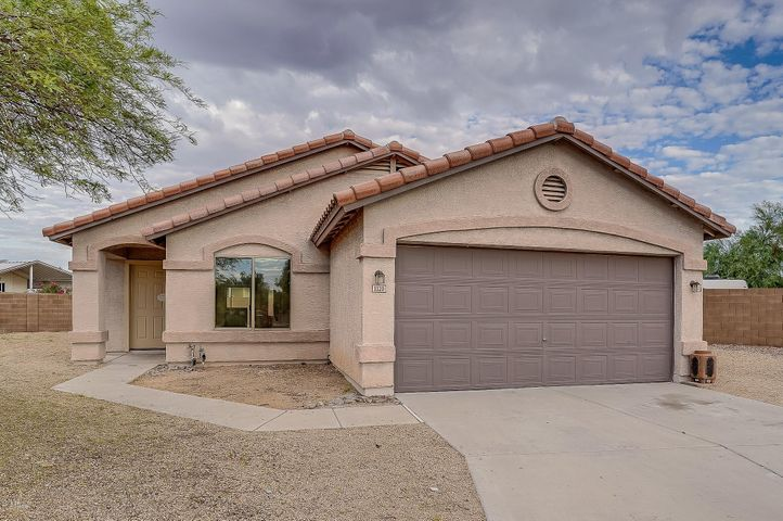 1120 S VALLEY Drive, Apache Junction, AZ 85120