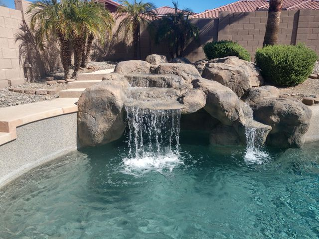 1704 W WILDWOOD Drive, Phoenix, AZ 85045