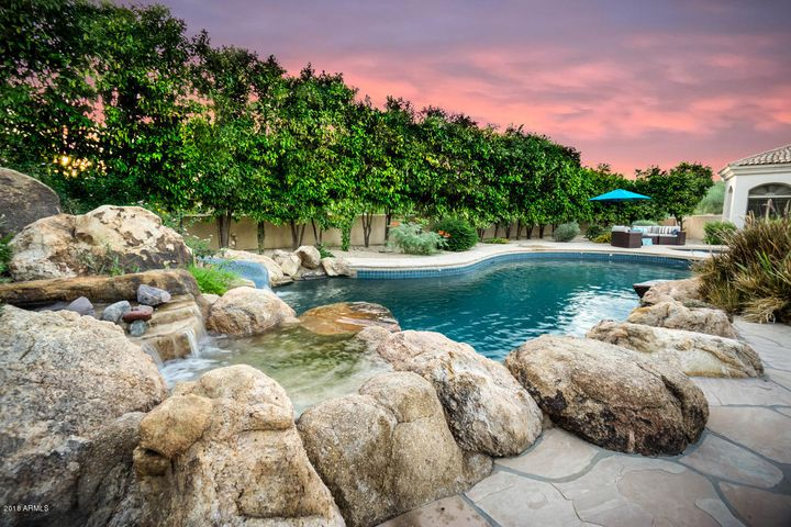 750 Sq.ft Heated Pool and Spa with Mature Trees