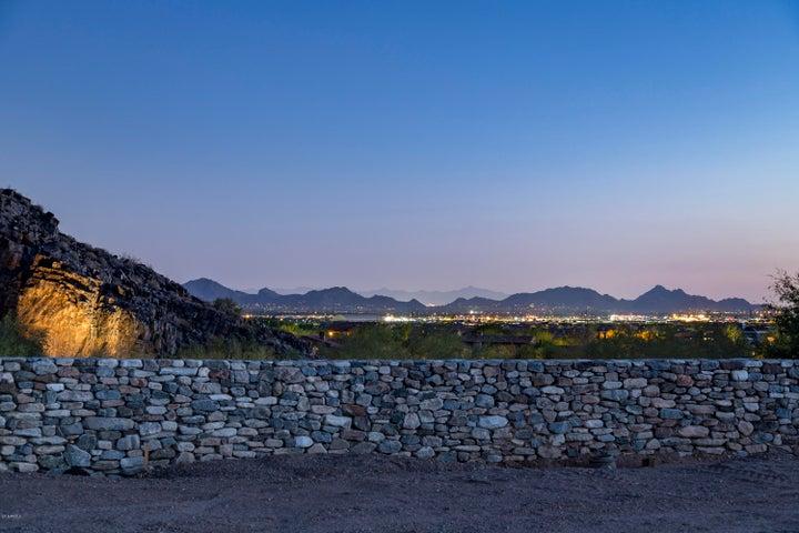 18942 N SILVERLEAF Drive, Scottsdale, AZ 85255