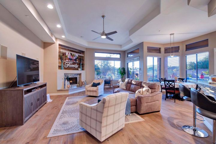 Open family room, kitchen and breakfast area, PERFECT!