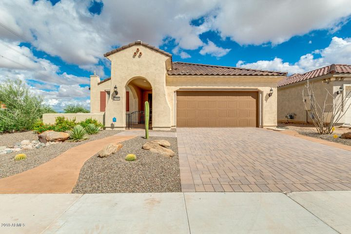 Beautiful Sanctuary floor plan with paved driveway and private corner lot with block fending.