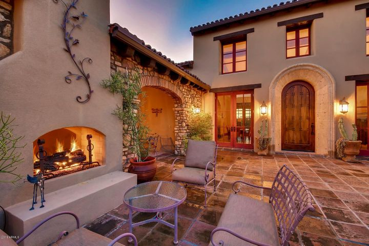 Wonderful entertaining courtyard space with two-way fireplace