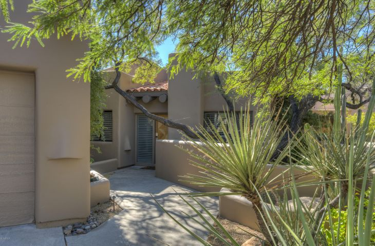 9112 E CLUBHOUSE Court, Scottsdale, AZ 85266