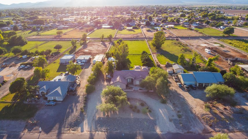 7714 N COTTON Lane, Waddell, AZ 85355