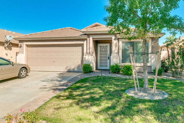 2794 E SILVERSMITH Trail, San Tan Valley, AZ 85143