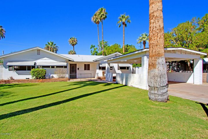 ARCADIA! This is the home you've been waiting for... move-in ready, or an investor's dream!