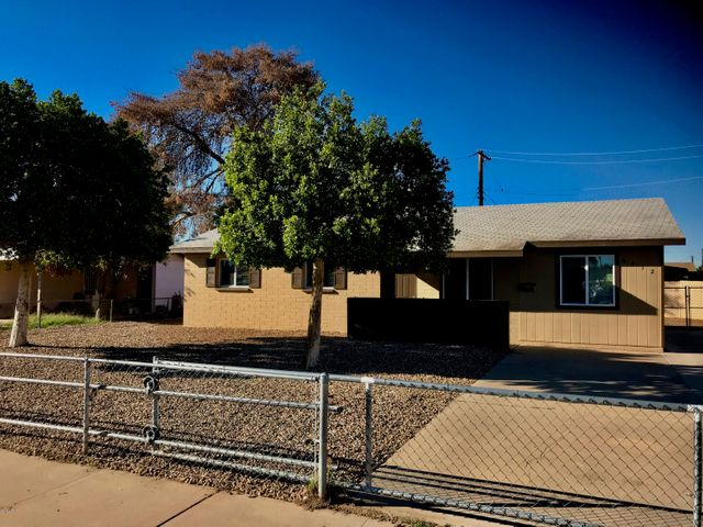 6512 W CHEERY LYNN Road, Phoenix, AZ 85033