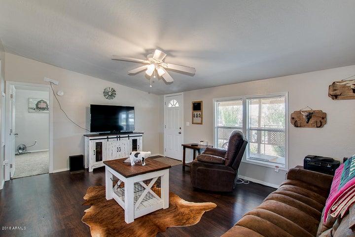 1376 E SOUTHERN Avenue, Apache Junction, AZ 85119