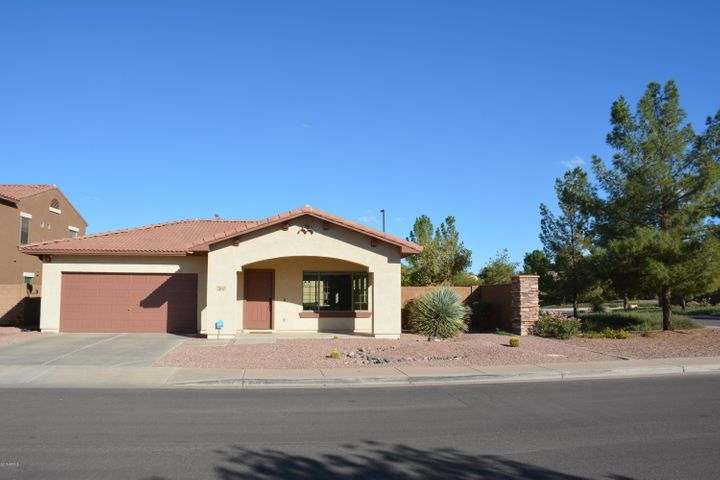 2637 S SANDSTONE Street, Gilbert, AZ 85295