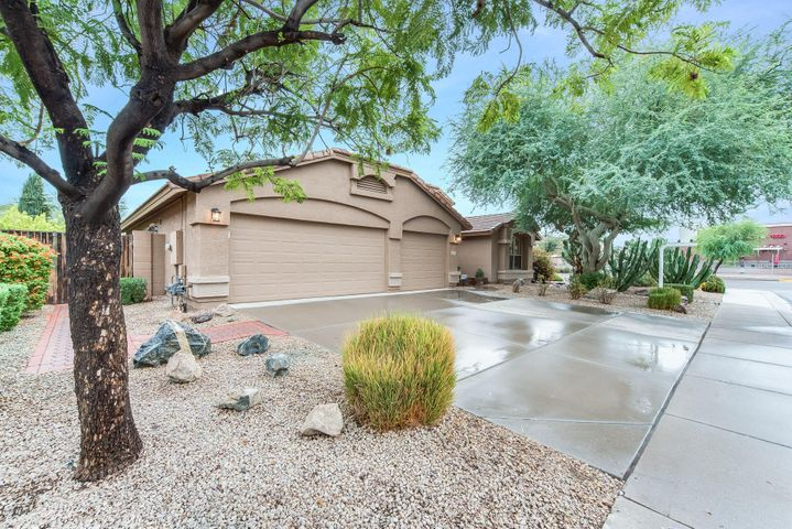 2397 S GRANITE Street, Gilbert, AZ 85295